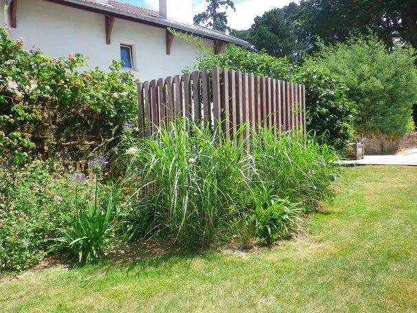 Cache pompe à chaleur - France Morbihan baden creation jardin paysagiste