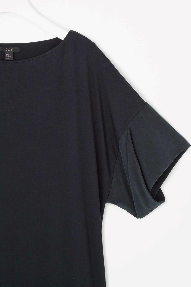 Dress with silk cuffs