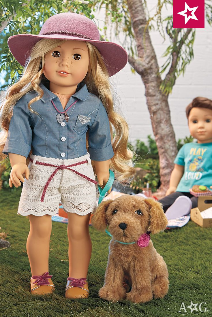 Tenney's Picnic Outfit. Tenney takes a break for some Nashville-style food from her mother's food truck. Her outfit features a chambray shirt, white crocheted shorts, and tan loafer shoes.  $28   Tenney's dog, Waylon, sold separately - $24