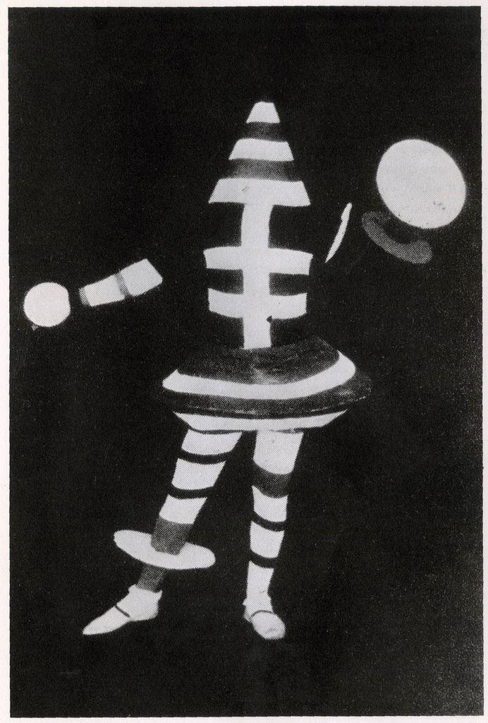 oskar schlemmer Bauhaus theatrical costume