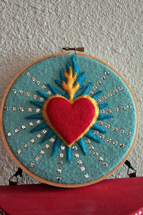 Felt sacred heart mini mexican folk art decorations for home decor wall art