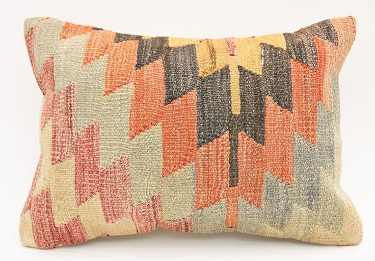 Vintage Turkish Kilim Rugs and Pillows - KILIMRUGAVENUE