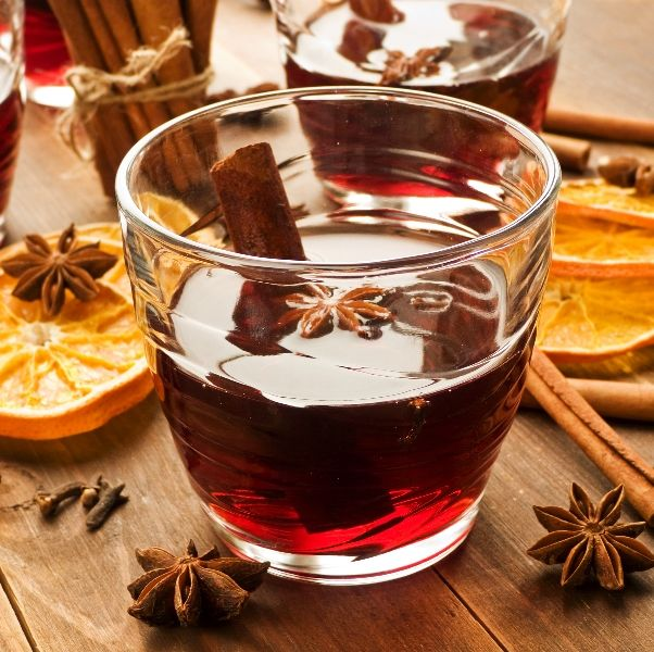 MULLED WINE: 1.5L bottle @Anita Gallo Vineyards Hearty #Burgundy 1 cup agave nectar or honey 1 cup fresh oj 10 cloves 3 cinnamon sticks 2 whole star anise Two 4-inch strips orange zest In a saucepan bring to a boil 1 1.5-liter bottle Hearty Burgundy, 1 cup agave nectar or honey, 1 cup fresh oj, 10 cloves, 3 cinnamon sticks, 2 whole star anise, and two 4-inch strips orange zest. Reduce heat and simmer for 15 minutes. Divide among glasses and garnish with cinnamon sticks.