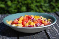 Mango- og tomatsalsa
