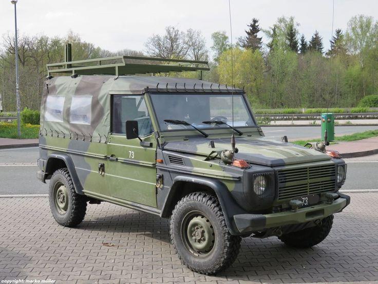 Mercedes Benz 250GD mit Dachgepäckträger der dänischen Armee