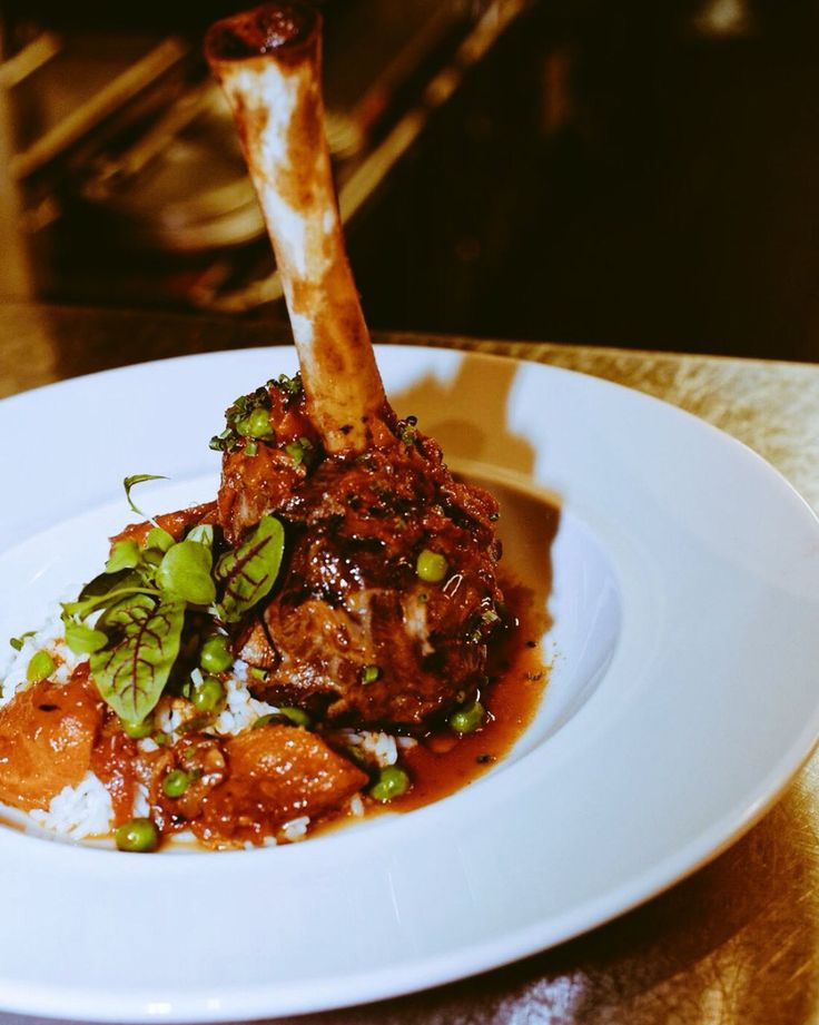 Mediterranean Lamb Shank! Restaurant mkt Downtown Montreal #montreal #restomtl #restomkt #mtl #mtlblog #mtlblogger #finedining #mtlfoodie