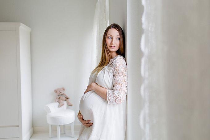 Julias Babybauchshooting | mummyandmini.com Babybauchfotos zuhause Fotos: Silke Brünnet