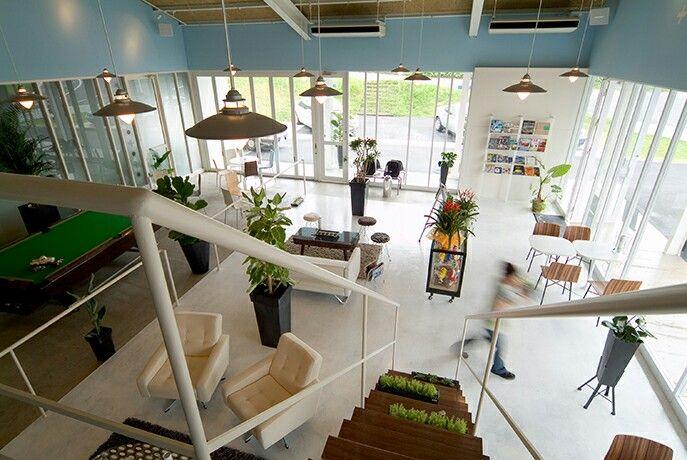 カーズカフェ。車販売。店舗デザイン;名古屋 スーパーボギー http://www.bogey.co.jp