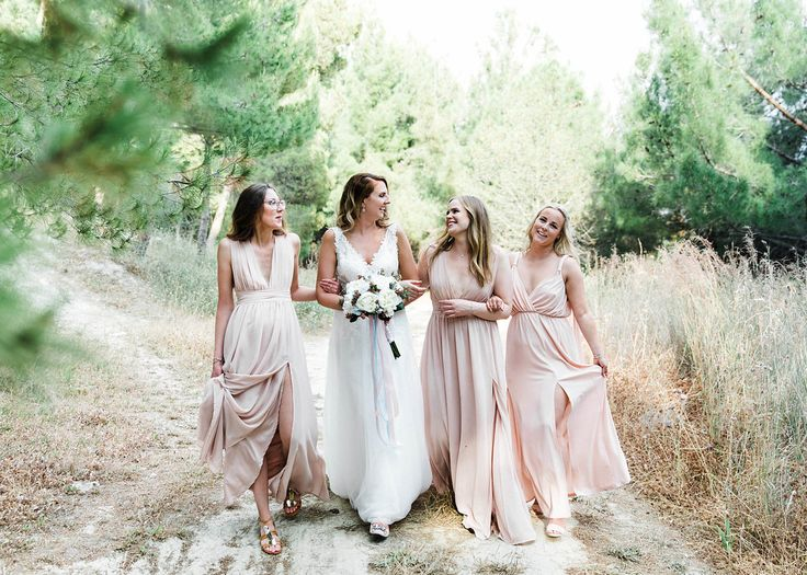 Happy bridesmaids and bride. happy wedding moments greenery wedding pink pastel colours wedding inspiration Cooridantor: Cleopatra's weddings