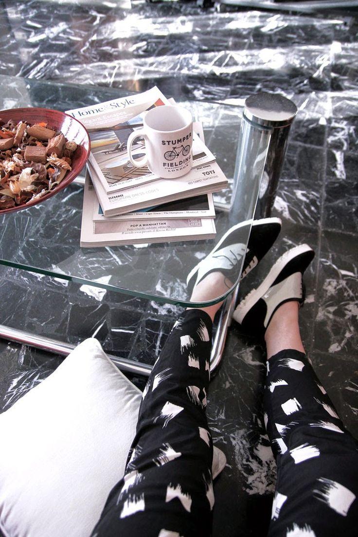 Patchwork à Porter Fashion Blog: Sporty-chic look with Peg-leg pants