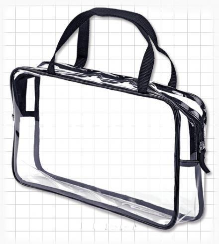 599987 Studio Grande.  Bolsa transparente grande. En resistente PVC, muy útil para llevar accesorios y maquillaje. Cierre con zipper. 27.94 cm x 19 cm x 7.62 cm