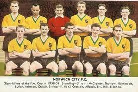 NORWICH CITY FC TEAM PHOTO 1958-1959