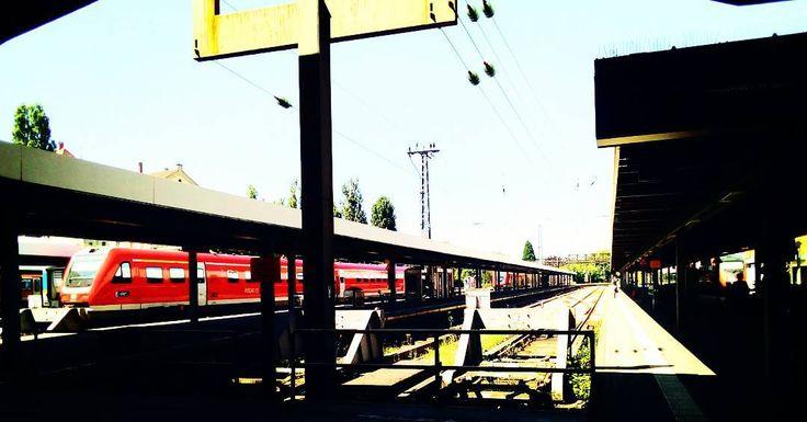 Lasset die Reise beginnen. Die - #lindau #trainstation #bahnhof #train #travel #switzerland #zuerich #oerlikon ##traveltheworld #traveling #traveller #gay #gaytravel #gaytraveller #gaytraveling #gaystagram #instagram #instaphoto #instadaily #instagay #photography http://tipsrazzi.com/ipost/1520326489773928734/?code=BUZSOMtl3Ee