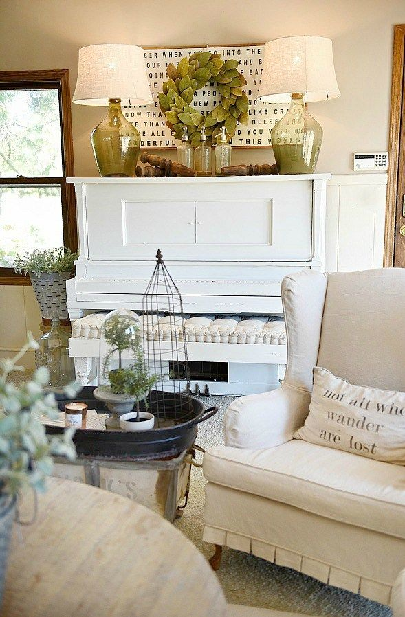 How To Decorate a piano in a farmhouse living room - Great farmhouse decor tips & tricks!
