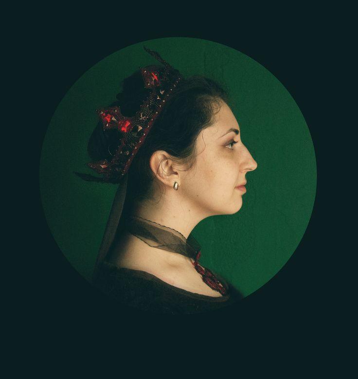 #malinabeadwork #beaded #beadembroidery #embroidery #jewelry #jewellery #handembroidery #handmade #jewelrydesigner #fashionjewelry  #beadsmith #вышивка #бисер #headpiece #headdress #bijou #crown #headpiece #headdress #kokoshnik #элитнаябижутерия #бижутерияростов #gothic #coronation #queen