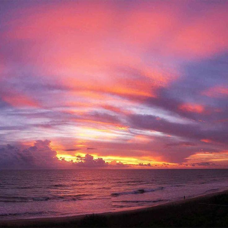 Gorgeous gorgeous fisherman's sunrise this morning  #florida #sunrise #floridasunrise #hutchinsonisland #jensenbeach #viewfromthebalcony #fisherman #waves