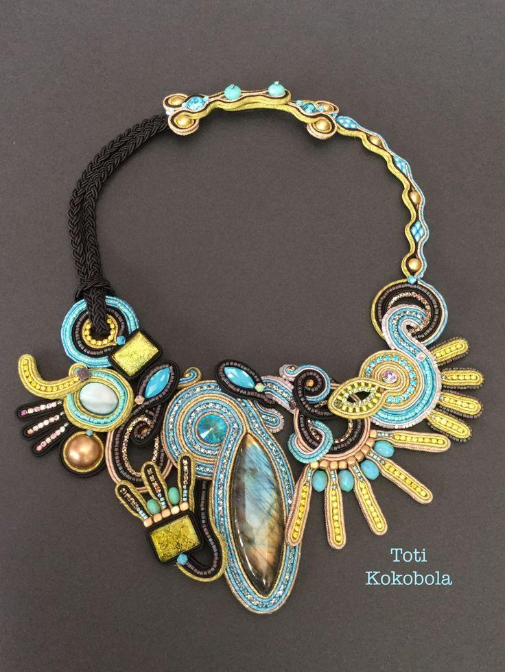 Soutache necklace by Toti Kokobola