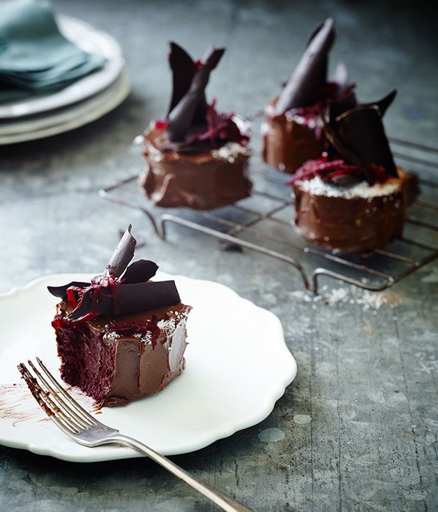Beetroot chocolate mud cakes :: Gourmet Traveller Magazine Mobile