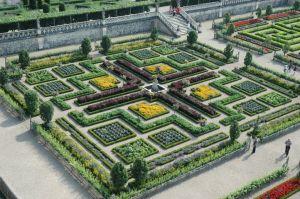 Four Square Garden Design - Ellen Ecker Ogden