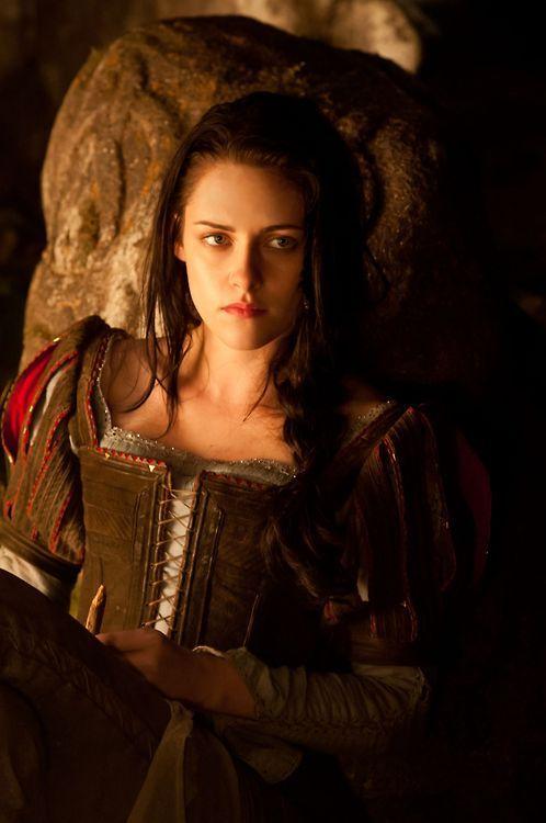 Kristen Stewart as Snow White in Snow White and the Huntsman (2012)