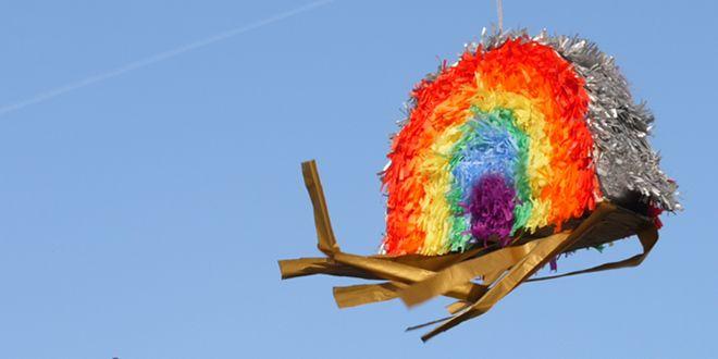 DIY Piñata Arc-en-ciel |