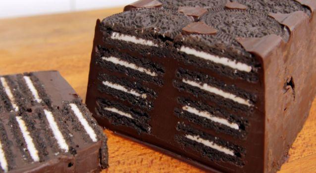 Σοκολατένιος κορμός ψυγείου με μπισκότα Oreo και μόλις 4 υλικά
