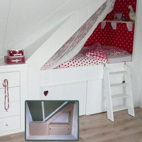 Prachtige bedstee met mooie kleuren. Zou te doen moeten zijn zelfs in een kleine ruimte.   http://stadsmuissie.blogspot.nl/2012/08/knusse-bedjes.html