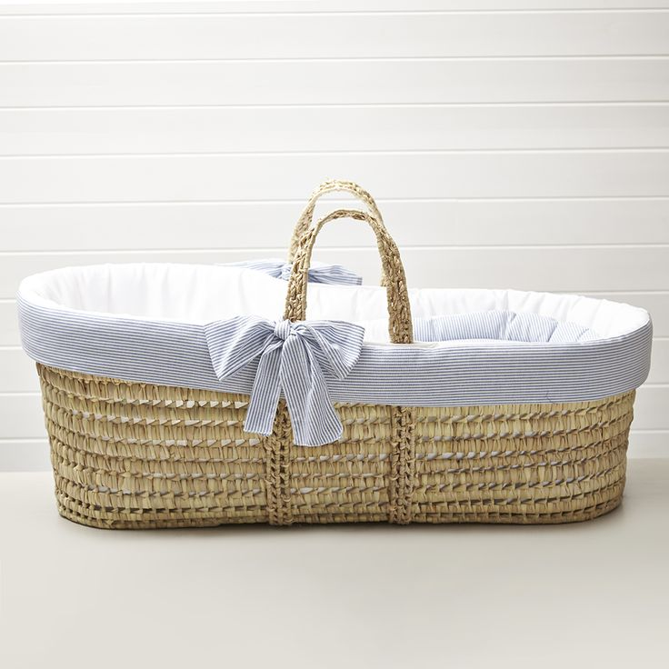 Moses Basket In Classic Blue Stripe