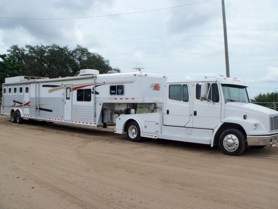 4 Star 5 Horse Living Quarters Trailer and Freightliner truck for sale in Lake, Florida, United States of America :: HorseClicks $75 for both