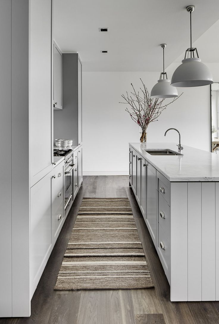 Tania Hendelsmann | North Sydney House Kitchen Galley | © Jem Cresswell | Est Magazine