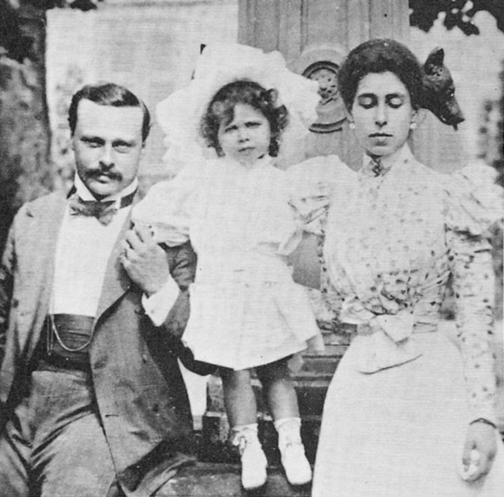 Der Großherzog mit seiner ersten Ehefrau Victoria Melita und der gemeinsamen Tochter Elisabeth (1897)