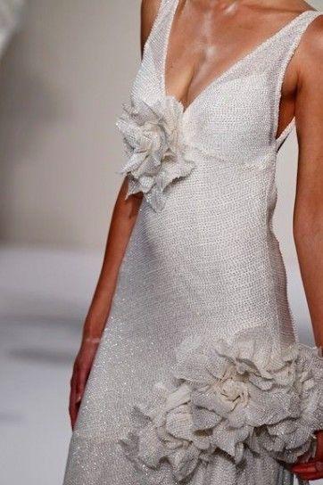 Abito da sposa 2013 Pnina Tornai con fiori di strass