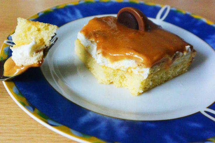 Ein tolles Rezept für besondere Gelegenheiten: Toffifee-Kuchen mit leckerer Cremeschicht und Karamellauflage.