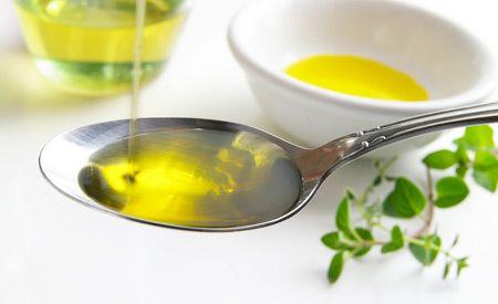 Ölziehen (Sonnenblumenöl) - eine Kur zum Entgiften - hilft sehr gut z.B. bei Zahnfleischentzündungen ...