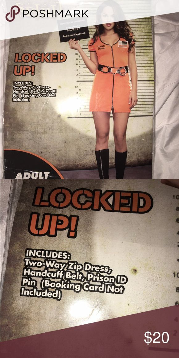 Halloween prisoner costume Adult Halloween prisoner costume. Does not include: handcuffs and ID pin. Size ADULT SMALL fits 2-6 Other