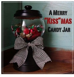 Gonna have to make one..: Christmas Crafts, Terra Cotta, Kissma, Gifts Ideas, Terracotta, Merry Kiss Ma, Candy Dishes, Candy Jars, Diy Christmas