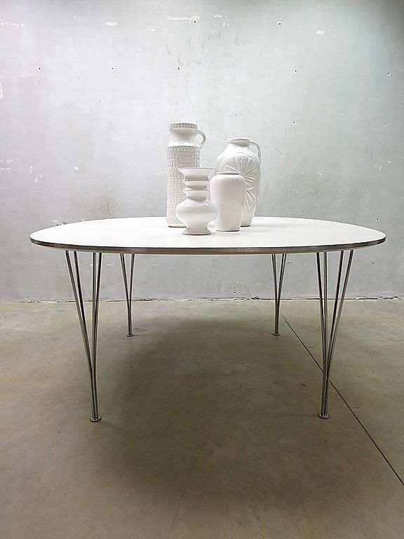 Fritz Hansen vintage design ellips dinner table, eetkamer tafel Mid century vitnage design Fritz Hansen retro loft industrieel