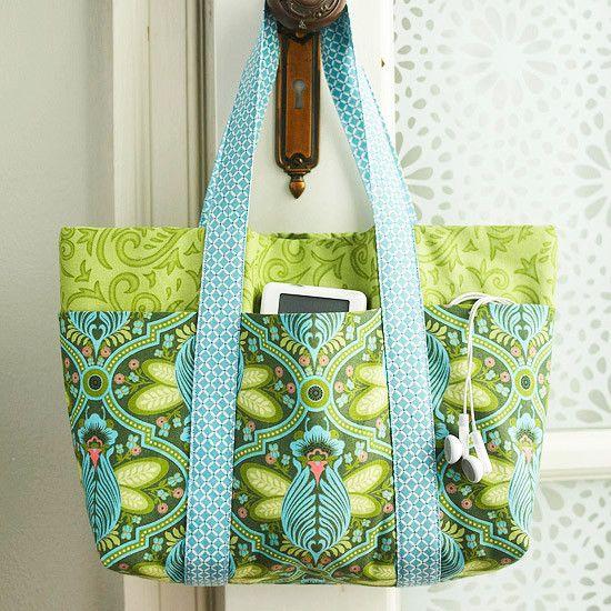 Easy Multi-Pocket Tote Bag - Free Sewing Tutorial