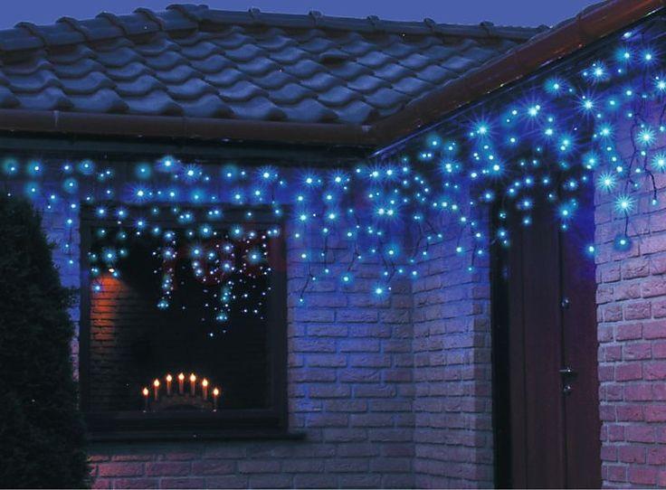 Lumières de Noël pour l'extérieur 200 glaçons LED bleu 10m Bulinex  http://www.rotopino.fr/lumieres-de-noel-pour-l-exterieur-200-glacons-led-bleu-10m-bulinex,44439 #lumieresdenoel #noel #decoration #led #rotopino