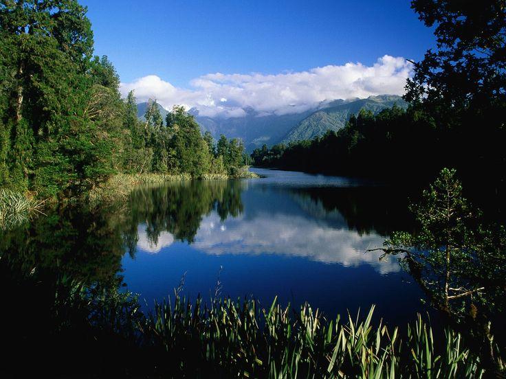 Lake Mathieson, New Zealand