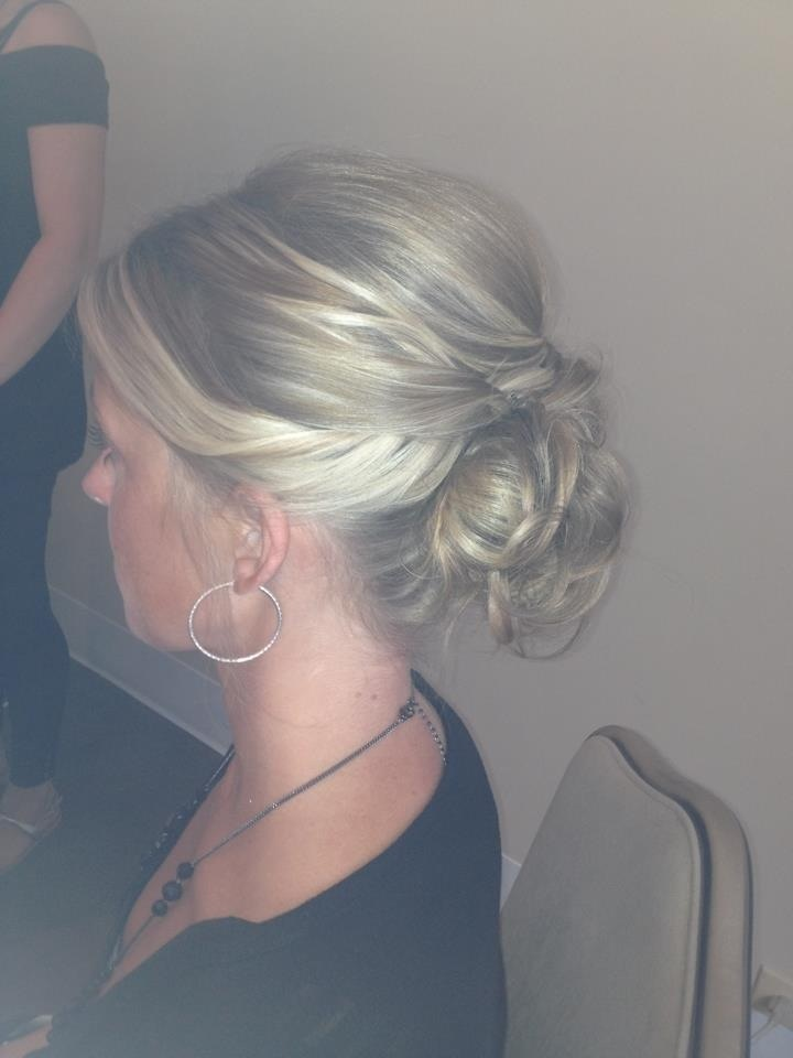 Cute bridesmaid hairstyle