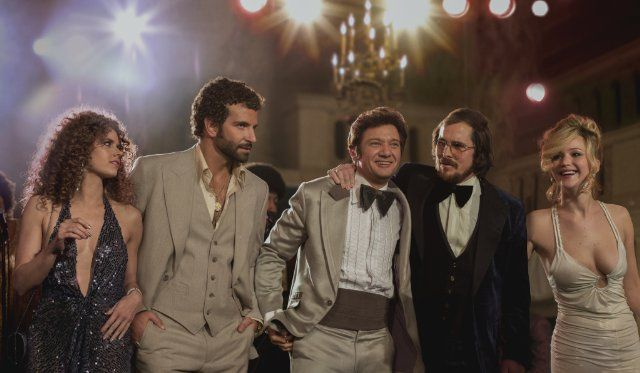 Still of Christian Bale, Amy Adams, Bradley Cooper, Jeremy Renner and Jennifer Lawrence in American Hustle