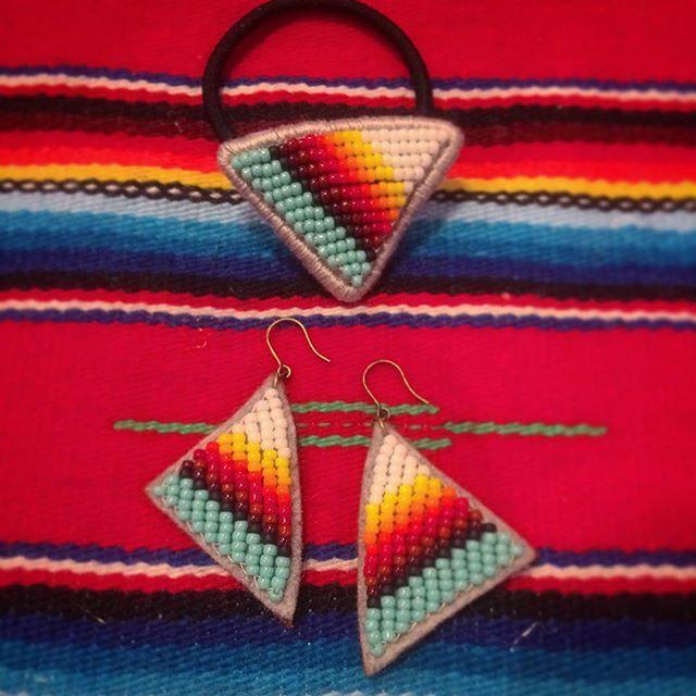 ピアス #刺繍 #beads #オルテガ #ビーズ刺繍 #ネイティヴ #handmadeaccessories #handmade #ビーズ #beadswork #ヘアゴム #エスニック