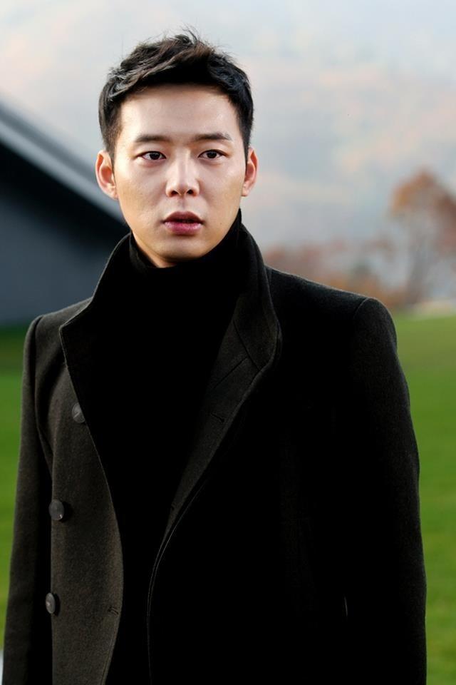 Park Yoo Chun mainnya di drama i miss you, sumpah keren banget. anggota boyband fav ku yg bernama tohoshinki ini, artis korea pertama yg aku sukai :D :D  #cuap_cuap_mharny :P