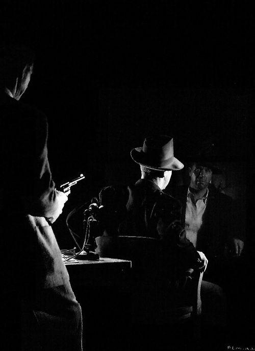 Mike Mazurski and Dick Powell in publicity still for 'Murder, My Sweet' (1944, dir. Edward Dmytryk)