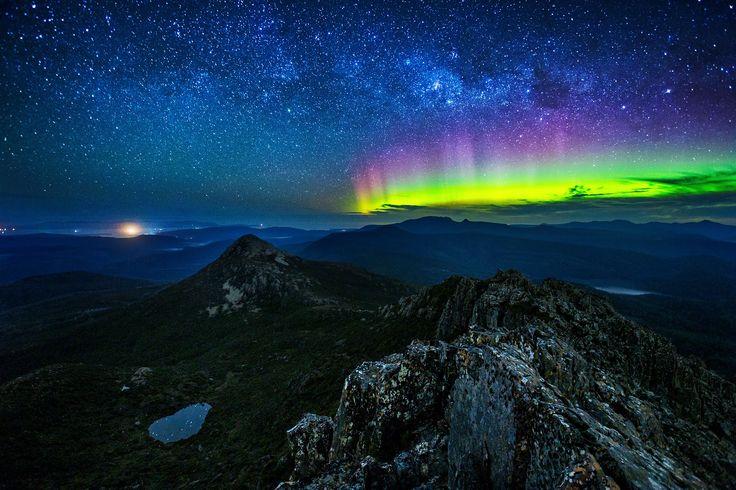 The Aurora Australis from the summit of Hartz Mountain, Tasmania, Aust