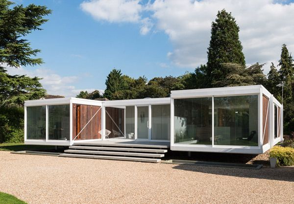This spectacular property, located on a private road in the sought-after village of Holyport, Berkshire, is one of a group of three of the finest architect-designed houses in the UK. Designed in the late 1960s by the architects Peter Foggo and David Thomas, these houses are of steel frame, glass and wood construction much in the manner of the famous Californian 'Case Study' houses of Richard Neutra, Charles Eames and Craig Ellwood.