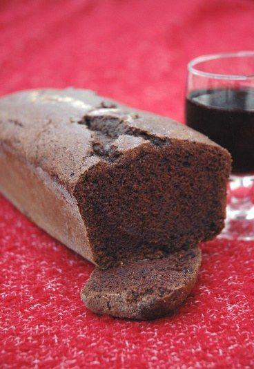 Saftiger Rotwein-Schoko-Kuchen - Lieblingsrezepte - Dorothee: Ich liebe diesen Kuchen, weil er einfach anders ist als die üblichen Schokoladenkuchen (da gibt es ja so viele)... - und weil mich der Zimt ein wenig an Weihnachten erinnert...