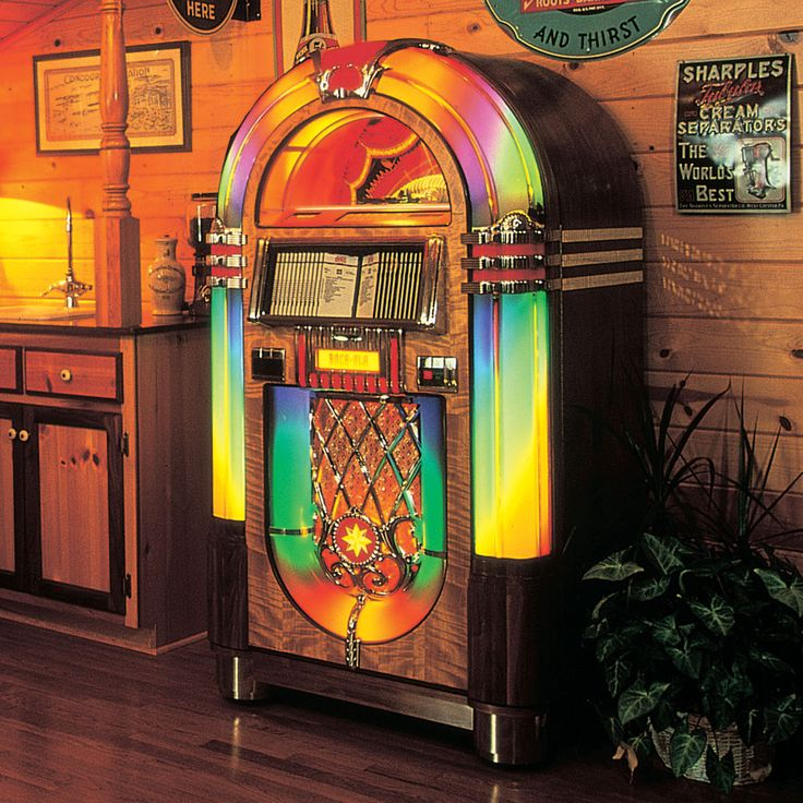 Jukeboxes and the music of the 50's always make me smile :)