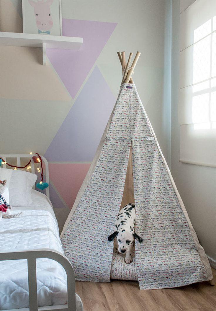 A cabana, o lugar favorito de Mariana e da filhote de dálmata, veio da Tote Design. Piso vinílico da Casa Fortaleza.
